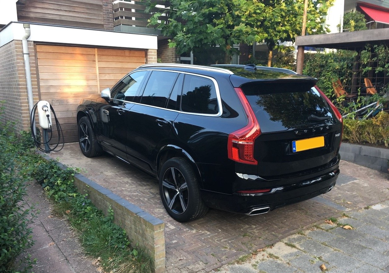 ChargeMakers-Laadpaal-Thuis-XC90-NewMotion