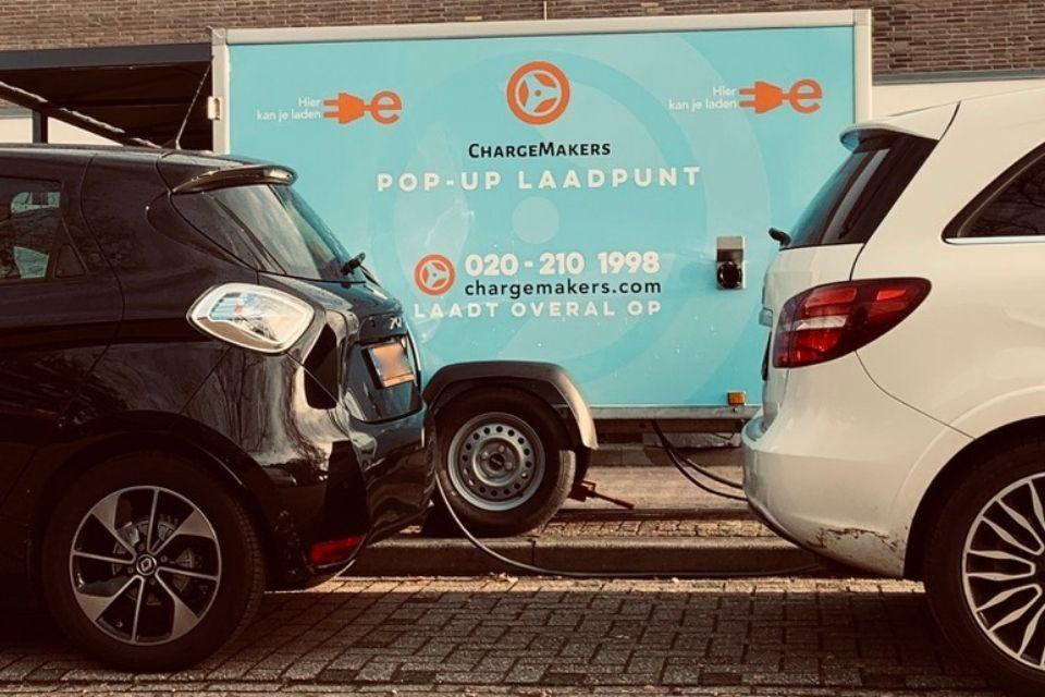 ChargeMakers-Tijdelijke-Laadpunten-Laadpaal-Zoe-Mercedes